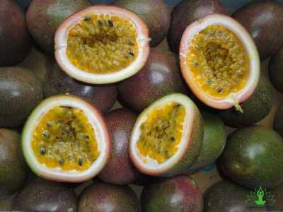 9 Best Benefits of Passion Fruit